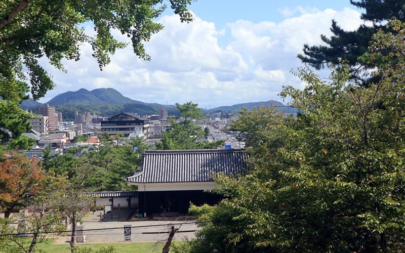 松江城二の丸と松江市内
