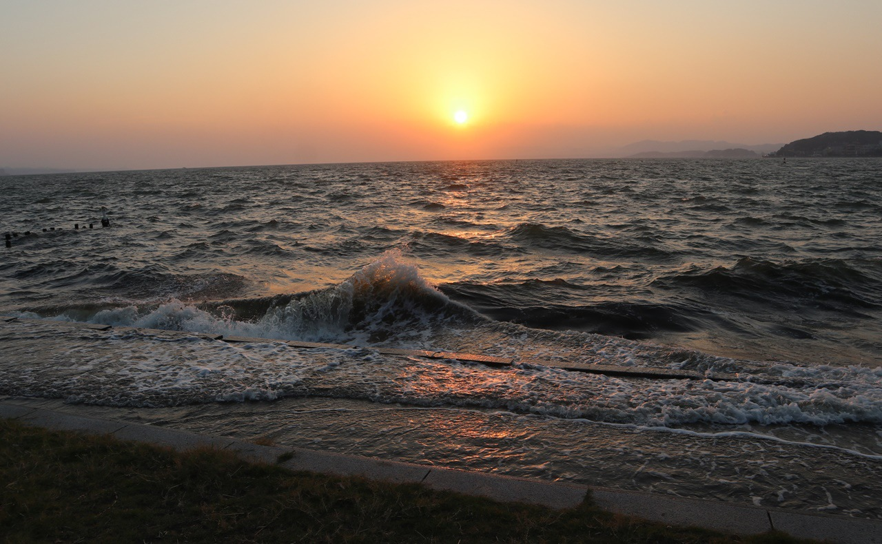 岸公園の夕日